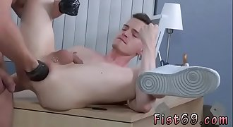 Shemale fist gape gif gay Brian Bonds and Axel Abysse stir to the